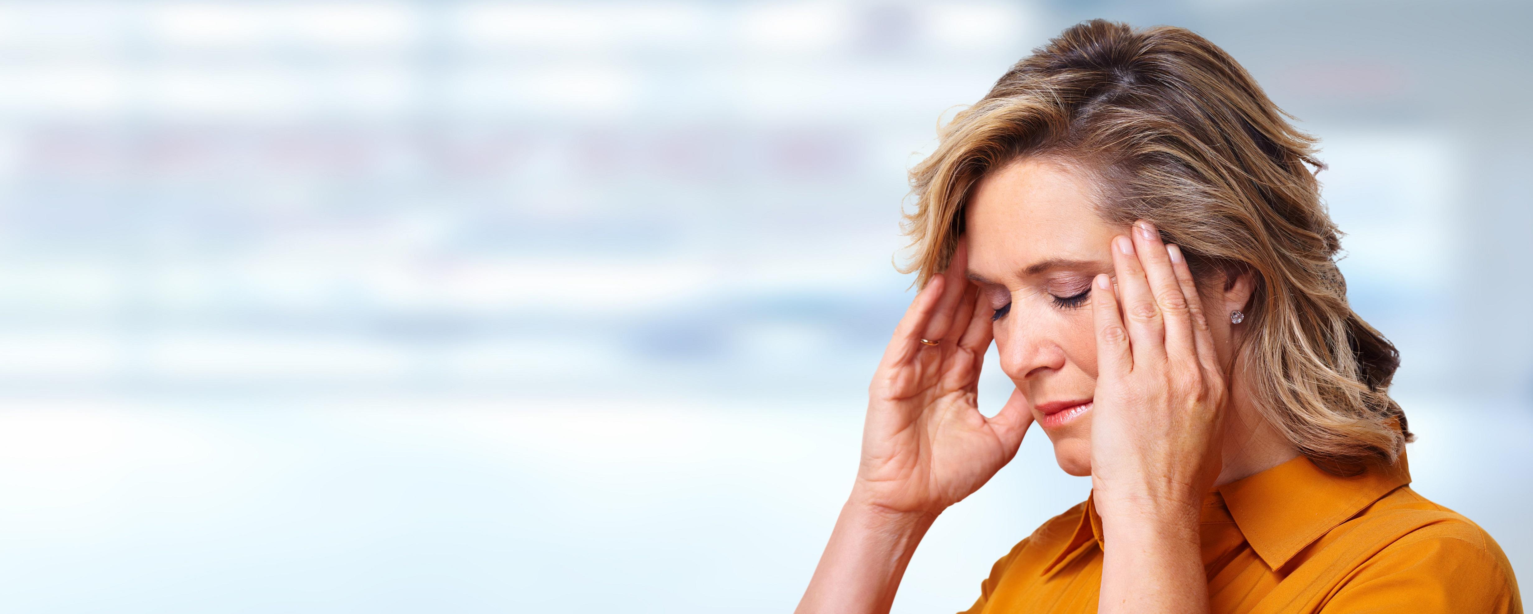 Seit einer Zahnwurzelentzündung hatte die Patientin starke Kopf- und Nackenschmerzen. Linderung brachte die Behandlung mit der Matrix-Rhythmus-Therapie und anschließede Behandlung mit der Funktionalen Orthonomie und Integration.